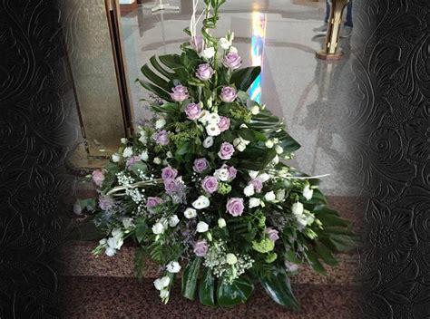allestimento chiesa fiori fiori per matrimonio carollo fiori centrale di zugliano