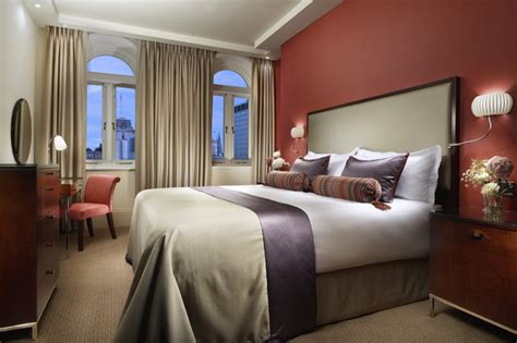hotels with 3 bedroom suites lavishly appointed kings bedroom suites in london at taj