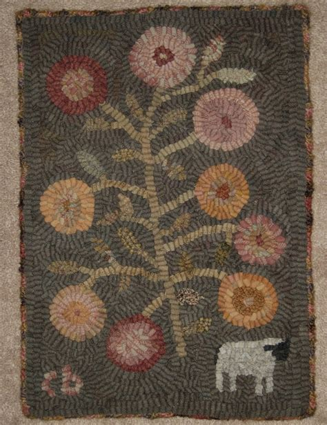 primitive hooked rugs 411 best hooked rugs images on embroidery primitive hooked rugs and wool area rugs