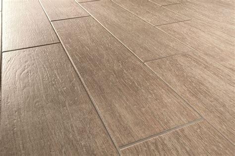 piastrelle effetto parquet prezzi gres porcellanato effetto parquet pavimentazioni gres