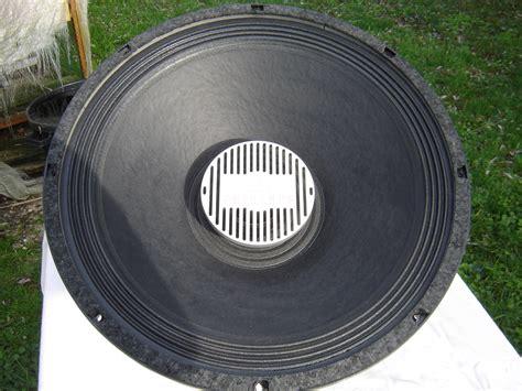 Speaker Eminence 18 eminence kilomax pro 18 image 758491 audiofanzine
