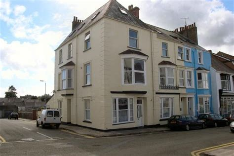 the retreat tenby pembrokeshire book this