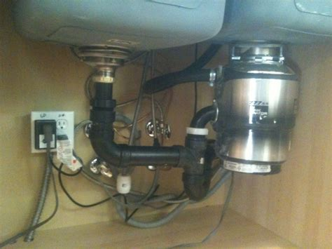 Kitchen Sink With Garbage Disposal Garbage Disposals Distance From Sink To Outlet Pipe Always Above 14cm Doityourself
