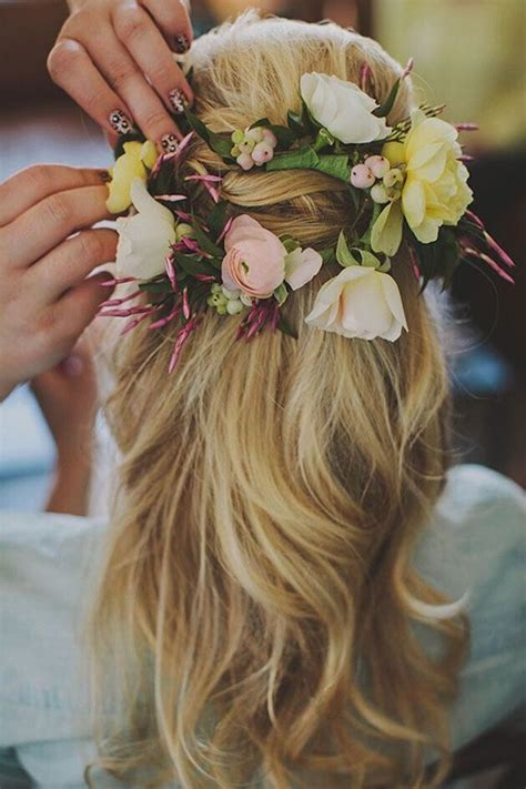 wedding hair with flowers 15 half up half wedding hairstyles for trendy