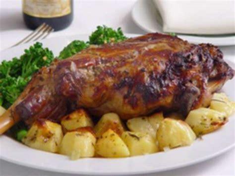 cuisiner un gigot d agneau au four recettes de gigot d agneau au four et gigot d agneau