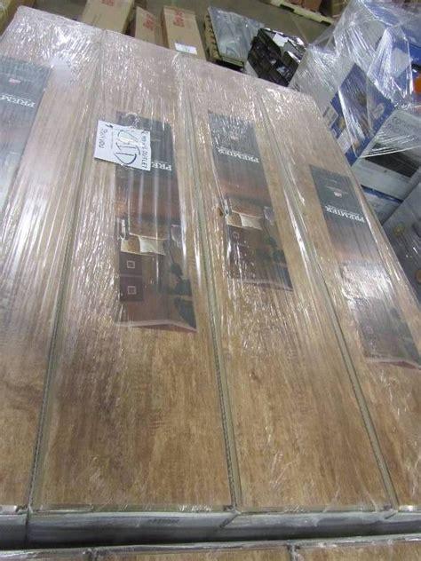 premier glueless laminate flooring light maple premier 7mm light maple laminate flooring 23 91 sqft case
