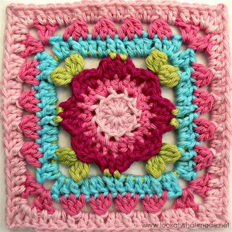 pattern crochet squares fiber flux fabulous flower squares 12 free crochet