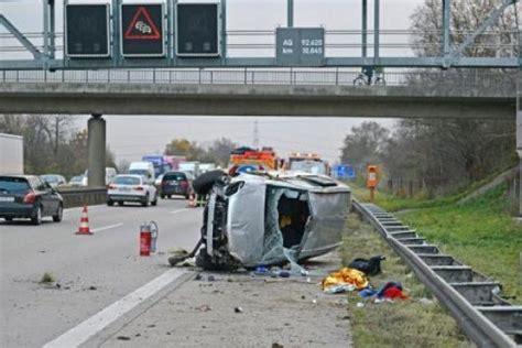 Autounfall 2 Kinder Tot by Kinder Polizei Vermutet Familiendrama Nach Autounfall
