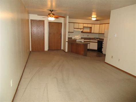 one bedroom apartments in la crosse wi rivers edge apartments rentals la crosse wi