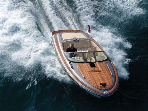 boat manufacturers cruisers chris craft boats runabouts sport boats cruisers and