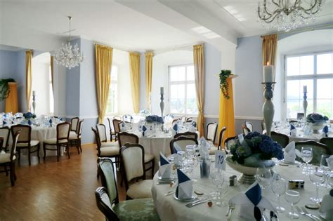 blauer und tanzsaal zum heiraten im schloss weiterdingen - Blauer Speisesaal