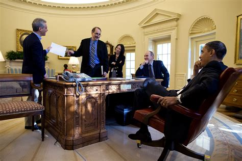 obama oval office file barack obama david axelrod rahm emmanuel in the