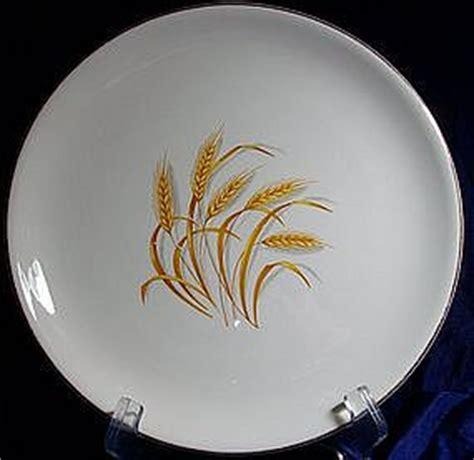 yellow wheat pattern dishes homer laughlin golden wheat pattern dinnerware