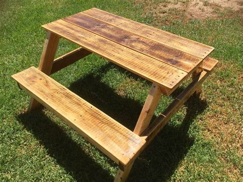 diy picnic bench diy pallet picnic table for kids 101 pallets