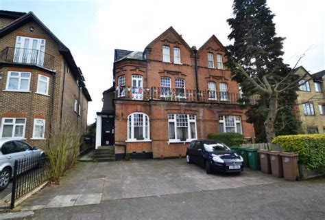 2 bedroom house to rent in sutton surrey 2 bedroom flat to rent in 12 egmont road sutton surrey sm2