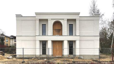 gesims architektur neubau einer villa im klassik stil mit mittelrisalit in