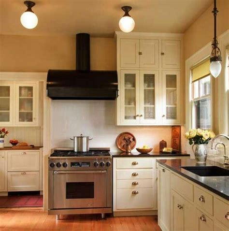 1920 kitchen cabinets best 20 1920s kitchen ideas on pinterest 1920s house