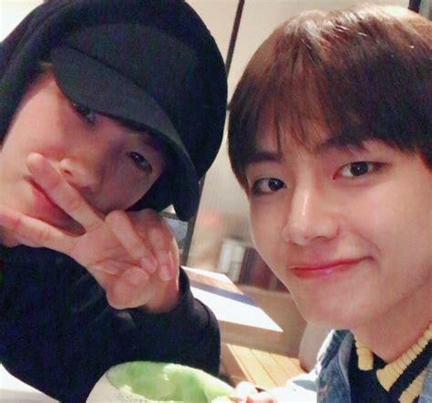 kim taehyung friends v de bts y park hyung sik comparten lindas fotos de su