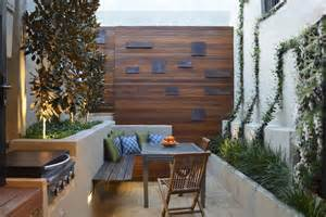 Courtyard Design by 3 Tiny Courtyard Makeovers Gardendrum