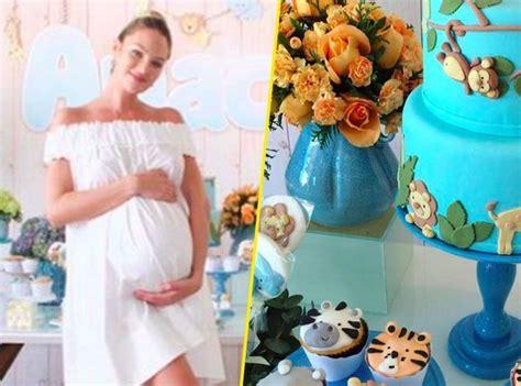 Candice Shower by Photos Candice Swanepoel La Du S Secret