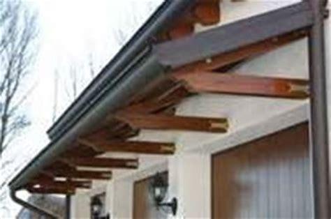immagini di tettoie in legno tettoie in legno tettoie da giardino realizzare