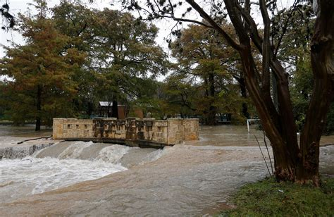 floods hit new mexico towns more storms eyed krqe news 13 heavy storms hit san antonio saturday causing minor