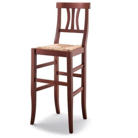 sgabelli in legno arte povera sgabello arte povera in legno con sedile paglia massello