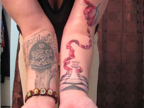 twilight tattoos 8 awesome twilight tattoos forevergeek