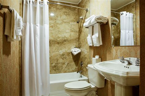 drakes bathrooms the drake hotel oak brook in chicago hotel rates