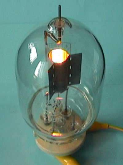 nachttisch mömax r 246 hrengleichrichter