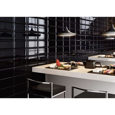 cuisine carrelage noir carrelage mural noir style m 233 tro salle de bain et cuisine