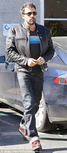 unshaven look out of style beard we go again ben affleck steps out with much of his