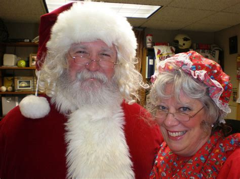 mr and mrs s claus invite children to tea at boscobel