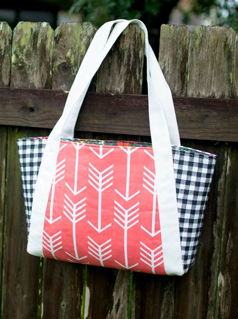 no pattern tote bag nana s perfect picnic tote pattern allfreesewing com