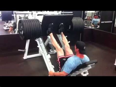 navy seal bench press us navy seal christopher mark heben 1010lb leg press youtube