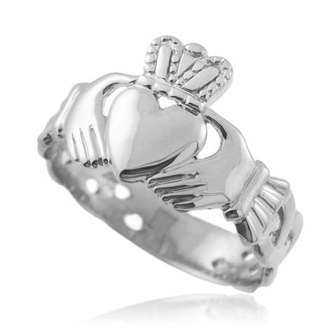 white gold mens claddagh ring with band