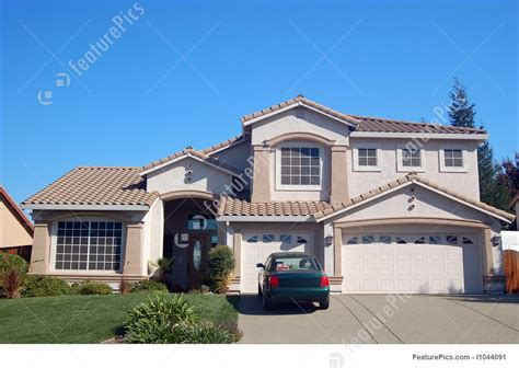 photo of suburban house