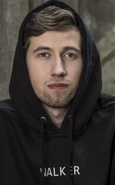 alan walker young travis scott bio age height weight net worth facts