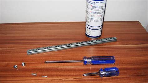 schublade mit kugellager einbauen schublade ausbauen neue schubladenschienen montieren