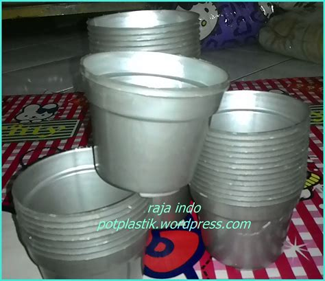 Pot Plastik 10 Cm Dan Tatakan jual pot bunga plastik 12cm pot tanaman plastik 12 cm harga grosir raja indo