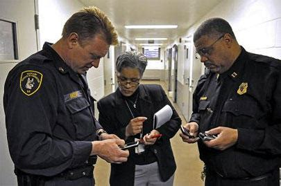 Supreme Court Cell Phone Search Fl Supreme Court Rejects Cell Phone Tracking By Wusf News