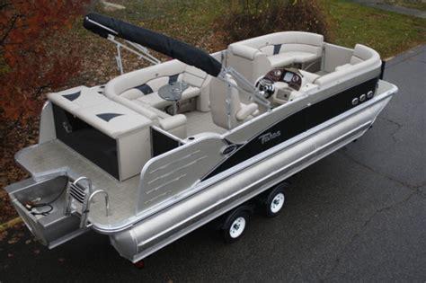 pontoon boats high performance 2385 vista cruise tritoon pontoon boat with high