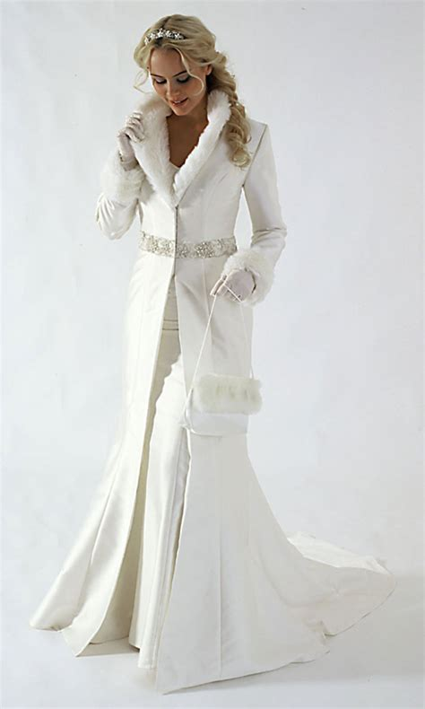 Winter Wedding Dresses by Winter Wedding Dress Trends For 2010 Wedding