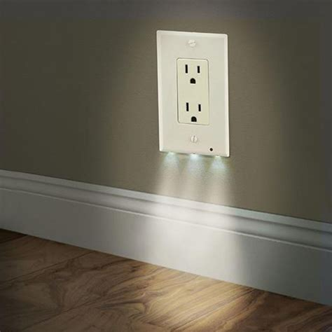 outlet coverplate with led lights 2in1 duplex bathroom light sensor led cover