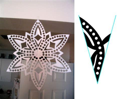 Folded Paper Cut Out Patterns - como fazer flocos de neve fazendo arte