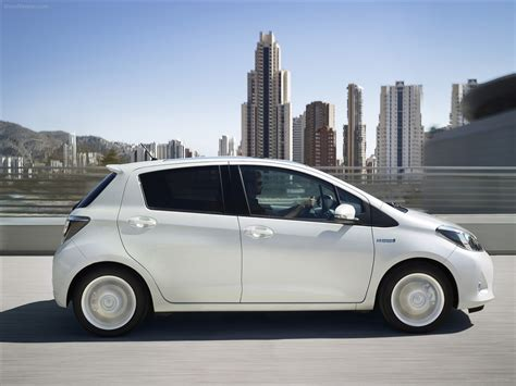 2013 Yaris Toyota Toyota Yaris Hybrid 2013 Car Wallpapers 14 Of 60