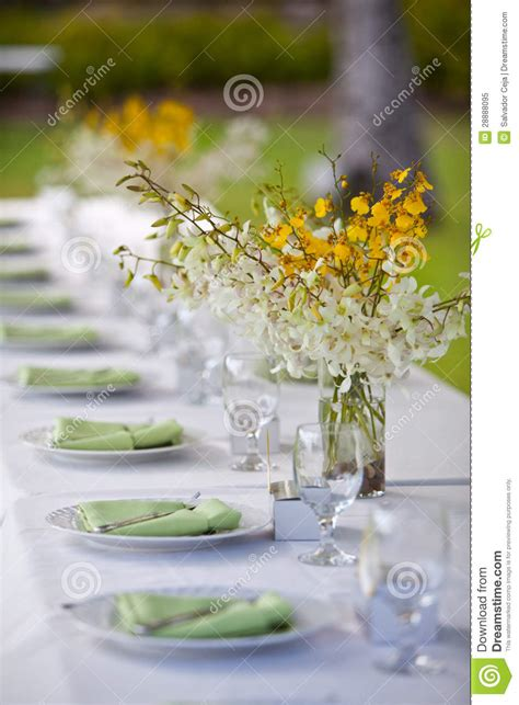 wedding table decor without flowers wedding decor table setting and flowers royalty free stock photo image 28888095