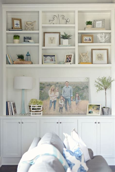 17 best ideas about bookshelf styling on pinterest bookshelf styling dayme walther best living room