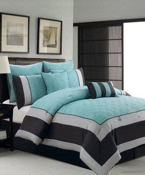 Quilted Bed Backboard by 1000 Ideas About Teal Comforter On Bed Spreads Bed Backboard And Turquoise