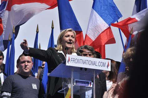 increase  popularity  marine le pens front